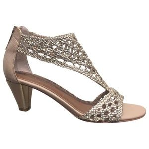 Donald Pliner signed heels size 6.5